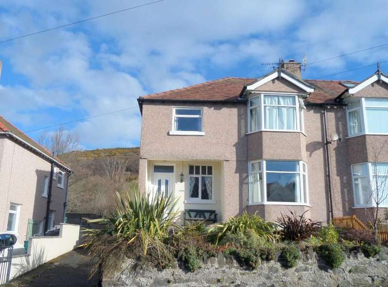 3 Bedrooms Semi Detached House for sale in Vardre Avenue, Deganwy
