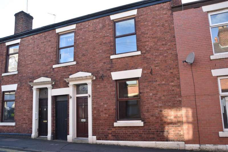 3 Bedrooms Terraced House for sale in Crown Street, Chorley