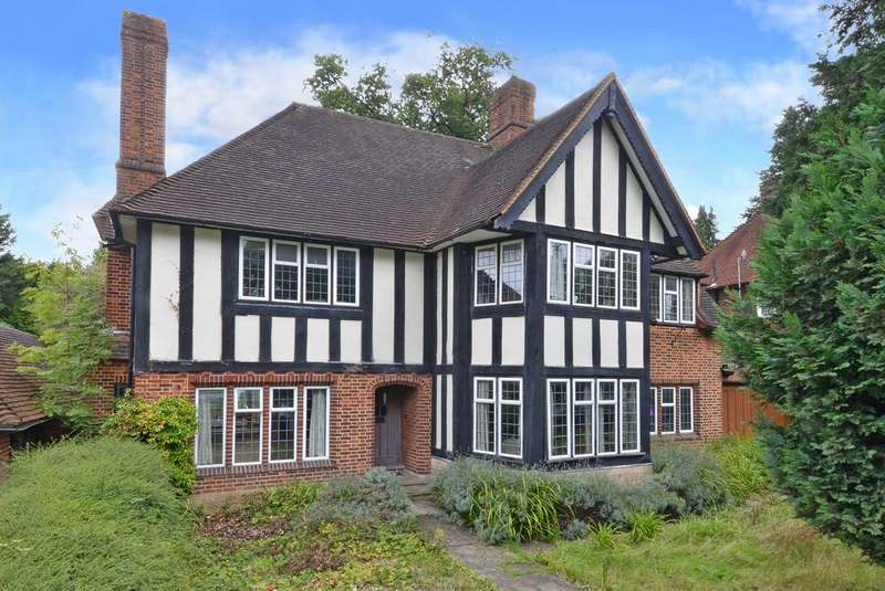 5 Bedrooms Detached House for sale in Cheam Road, Epsom KT17