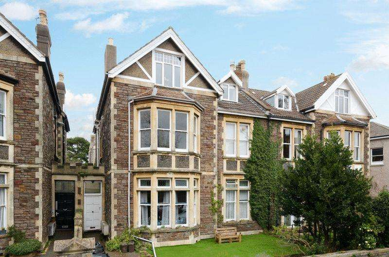 2 Bedrooms Apartment Flat for sale in The Glen, Redland