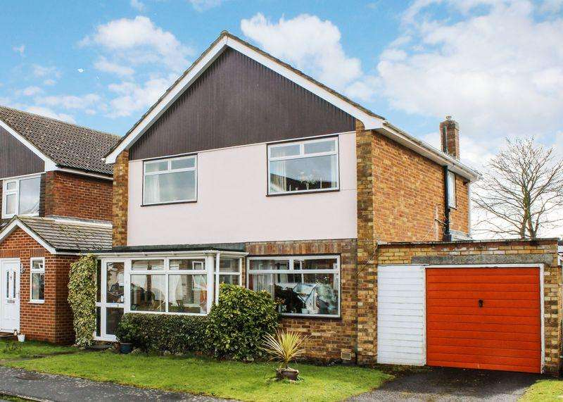 4 Bedrooms Detached House for sale in Paddock Close, Wantage
