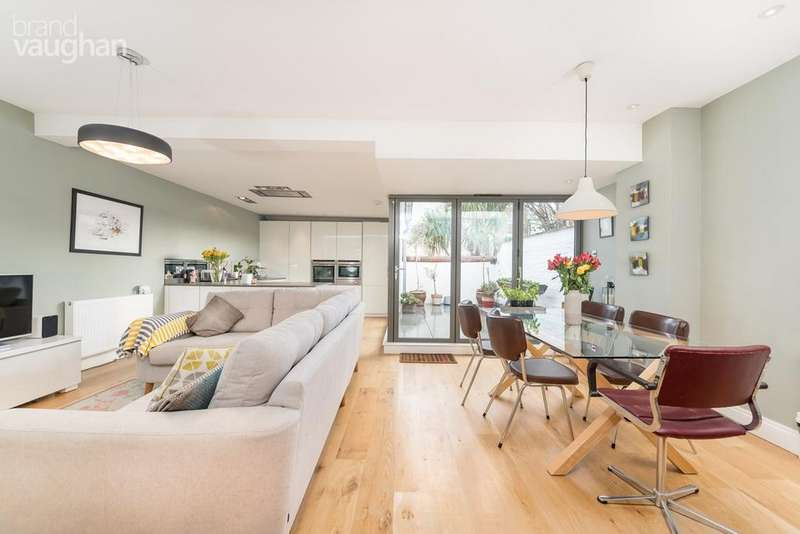 4 Bedrooms End Of Terrace House for sale in Steine Gardens, Brighton, BN2