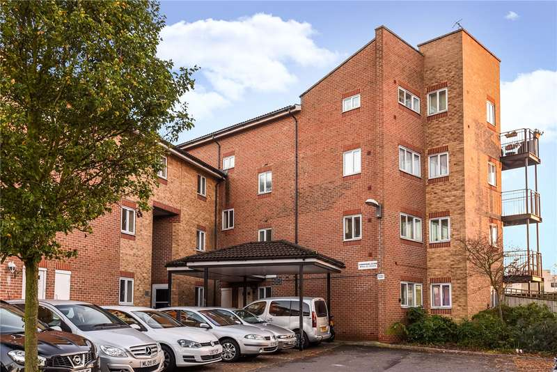 1 Bedroom Apartment Flat for sale in Carmichael Close, Ruislip, Middlesex, HA4
