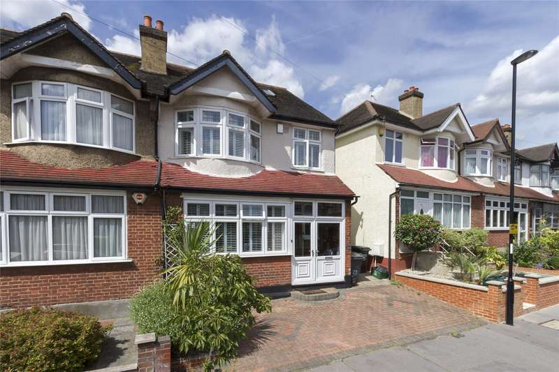 4 Bedrooms Semi Detached House for sale in Waddon Park Avenue, Croydon