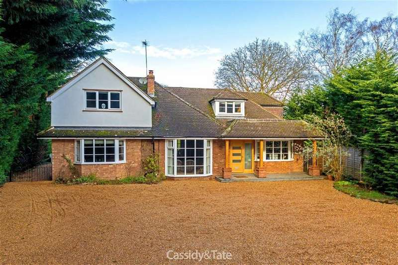 4 Bedrooms Property for sale in Wilkins Green Lane, Hatfield, Hertfordshire