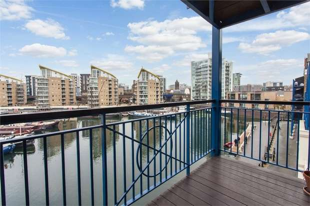 2 Bedrooms Flat for sale in 4 Victory Place, London