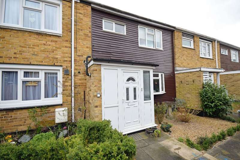 3 Bedrooms Terraced House for sale in The Maples, Harlow, Essex, CM19 4QY