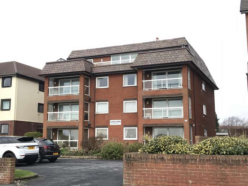 2 Bedrooms Penthouse Flat for sale in Alpine Lodge, 85 South Promenade, Lytham St. Annes