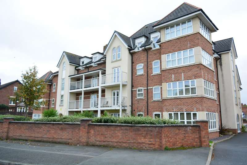 2 Bedrooms Flat for sale in Whitegate Drive, Stanley Park, Blackpool, FY3 9EP