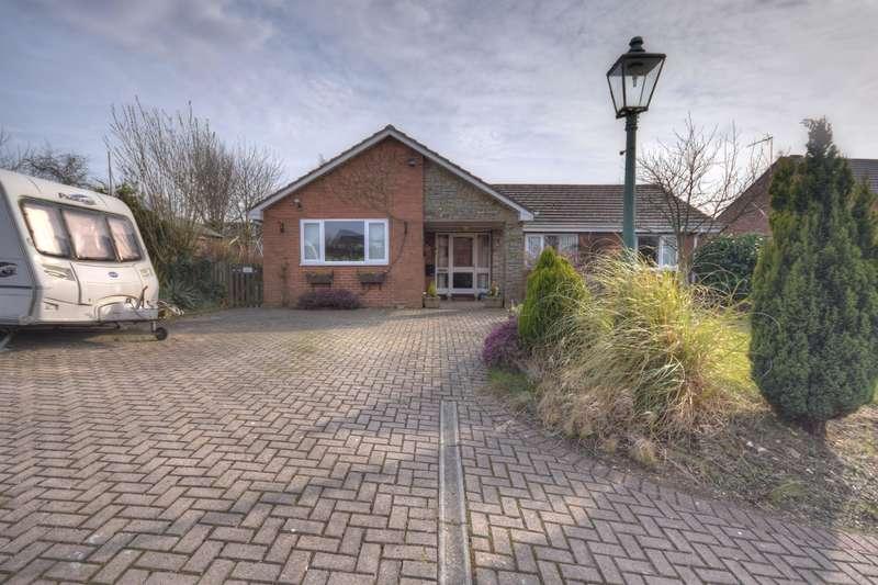 4 Bedrooms Bungalow for sale in Ellerburn Drive, Bridlington, YO16 7QS