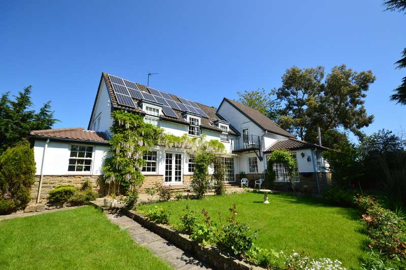 4 Bedrooms Detached House for sale in High Street, Scalby, Scarborough, YO13 0PT