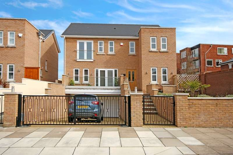 5 Bedrooms Detached House for sale in Cliff Road, Southport