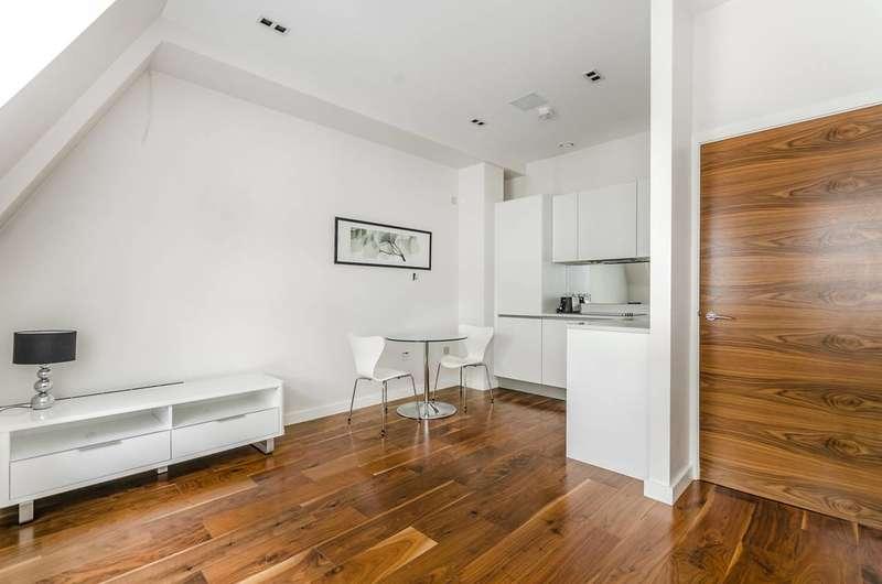1 Bedroom Flat for sale in Breams Buildings, City, EC4A