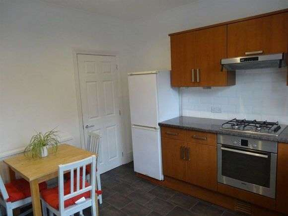 3 Bedrooms Terraced House for rent in Bute Street, Crookes, Sheffield