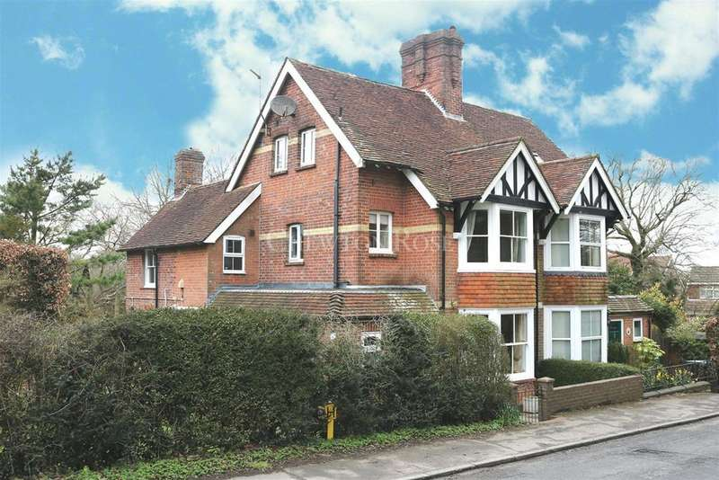 4 Bedrooms Semi Detached House for sale in Mayfield Road, Rotherfield, East Sussex, TN6