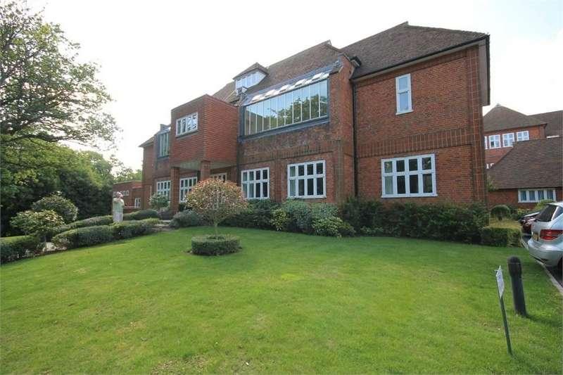 1 Bedroom Flat for sale in Rendell House, Elizabeth Drive, BANSTEAD, Surrey