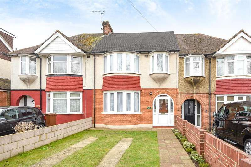 3 Bedrooms Terraced House for sale in City Way, Rochester.