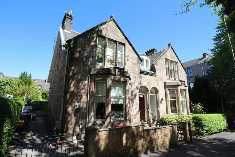 3 Bedrooms Semi Detached House for sale in 42 South Street, Greenock, PA16 8QQ