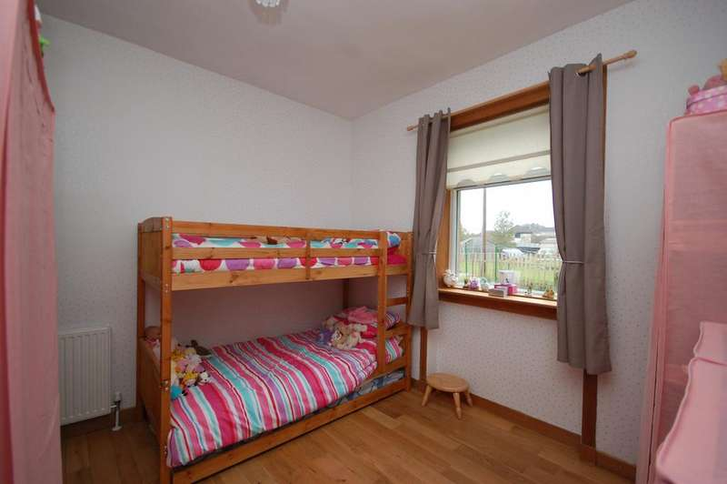 2 Bedrooms Ground Flat for sale in 2A Laighcartside Street, Johnstone, PA5 8BY