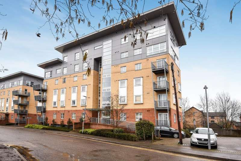 2 Bedrooms Flat for sale in Borehamwood, Hertfordshire, WD6