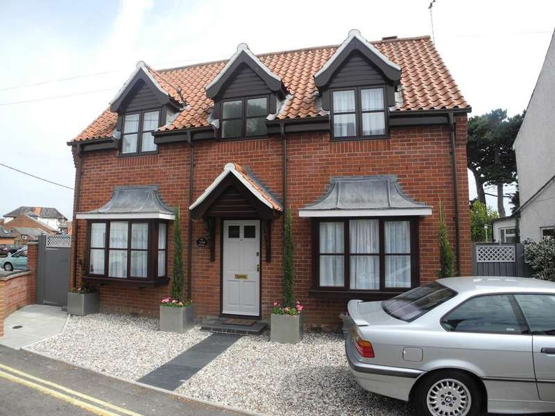 2 Bedrooms Detached House for sale in Hungate Lane, Beccles