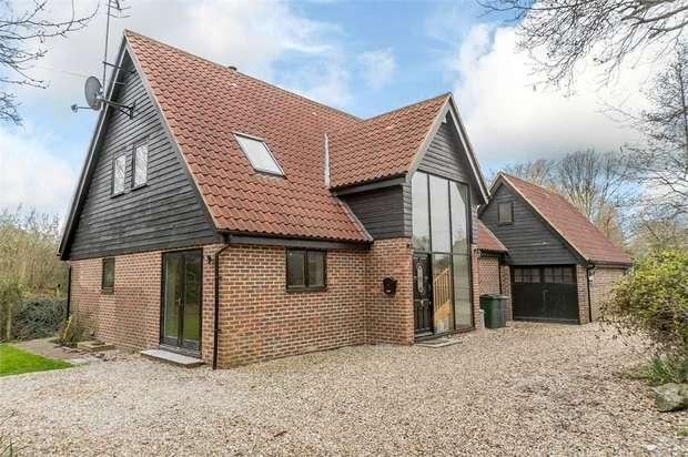 4 Bedrooms Detached House for sale in Naccolt, Brook, Ashford, Kent