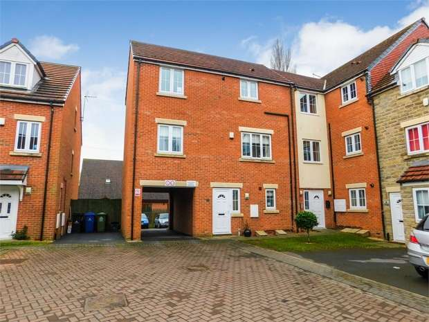 1 Bedroom Flat for sale in Fieldside, Thorne, Doncaster, South Yorkshire