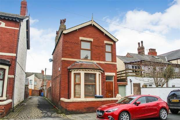 3 Bedrooms Detached House for sale in Byron Street, Fleetwood, Lancashire