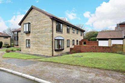 2 Bedrooms Flat for sale in Gorseland Court, Wickersley, Rotherham, South Yorkshire