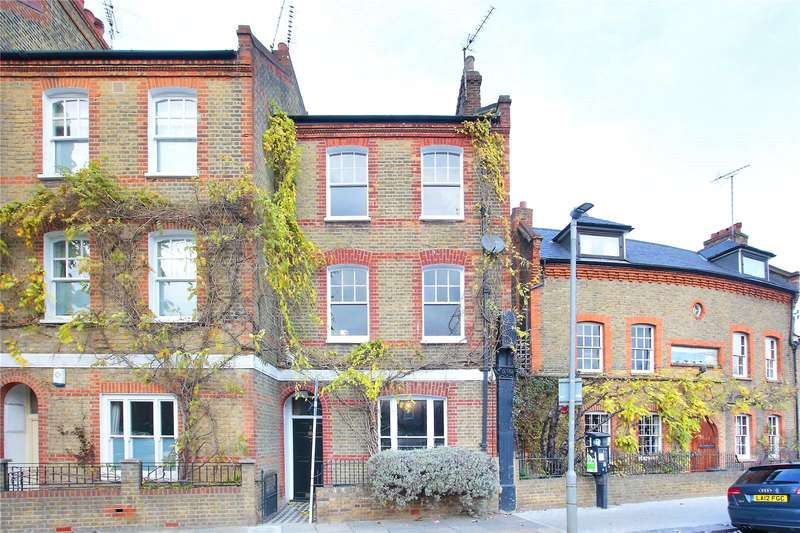 4 Bedrooms Terraced House for sale in Robertson Street, Battersea, London, SW8
