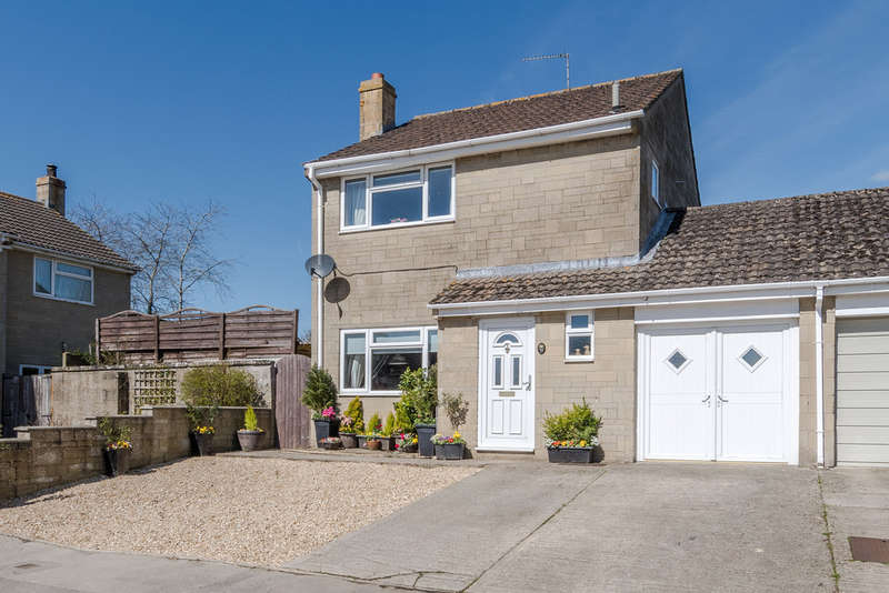 3 Bedrooms Semi Detached House for sale in Manor Close, Sherston