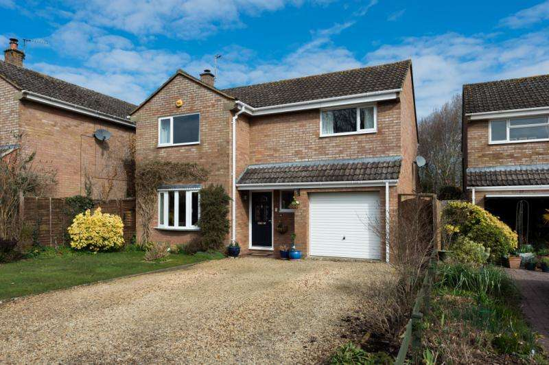 4 Bedrooms Detached House for sale in Kings Avenue, Marcham, Abingdon