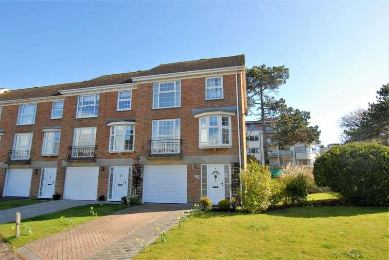 4 Bedrooms Town House for sale in Fisher Close, Hythe, CT21