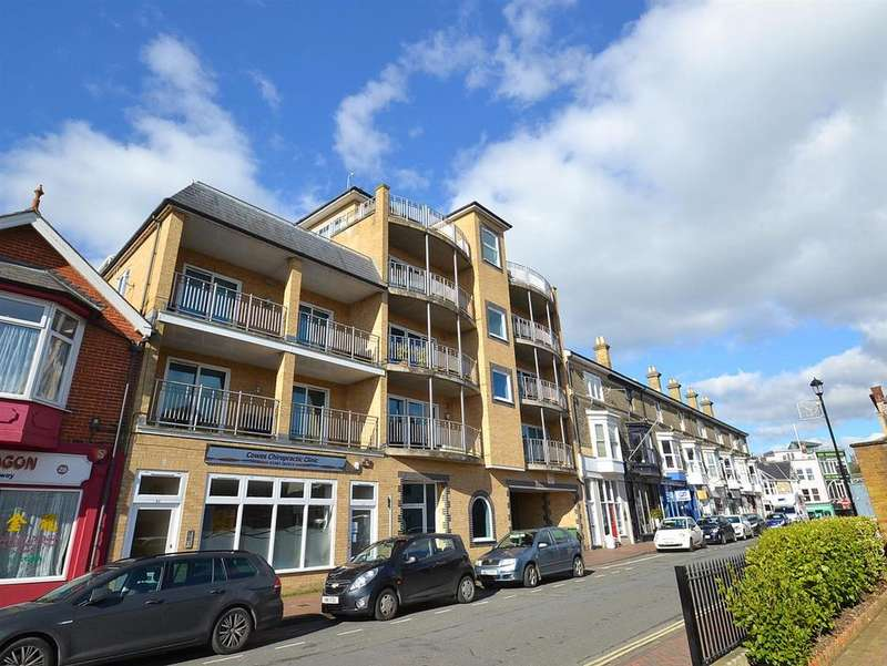 3 Bedrooms Apartment Flat for sale in Birmingham Road, Cowes