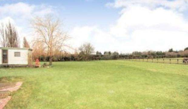 8 Bedrooms Land Commercial for sale in Rushden Road, Bedford, Bedford, MK44