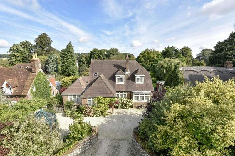 4 Bedrooms Detached House for sale in Upper Farringdon, Alton, Hampshire