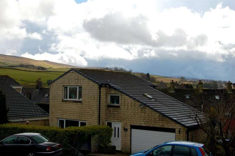 4 Bedrooms Detached House for sale in Clydesdale Rise, Diggle, OL3 5PX