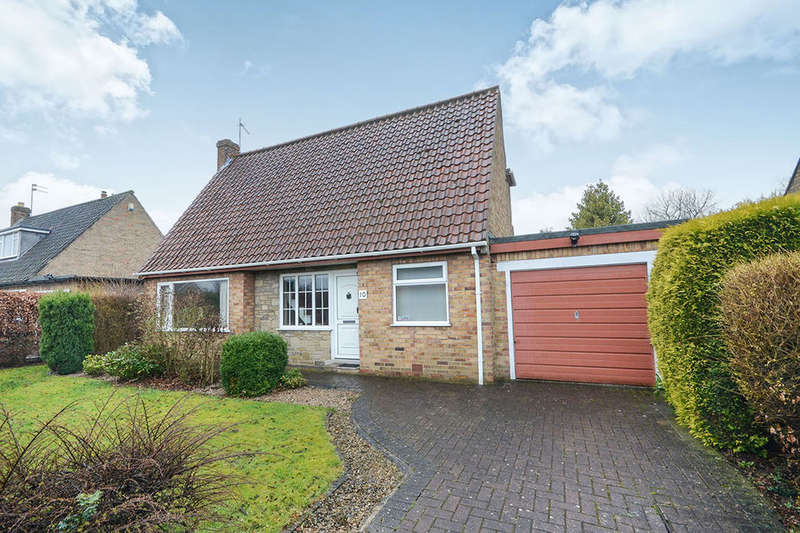 3 Bedrooms Detached Bungalow for sale in Meadlands, York, YO31