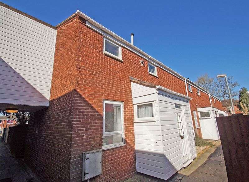 3 Bedrooms Property for sale in Langley Close, Redditch