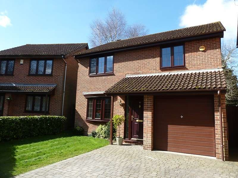 4 Bedrooms Detached House for sale in Seaton Close, West End, Southampton, SO18