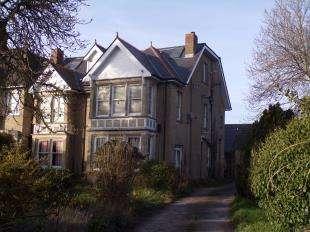 2 Bedrooms Flat for sale in Manor Road, St Nicholas At Wade, Birchington, Kent