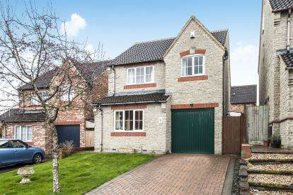 3 Bedrooms Detached House for sale in Springdale Close, Hardwicke, Gloucester, Gloucestershire
