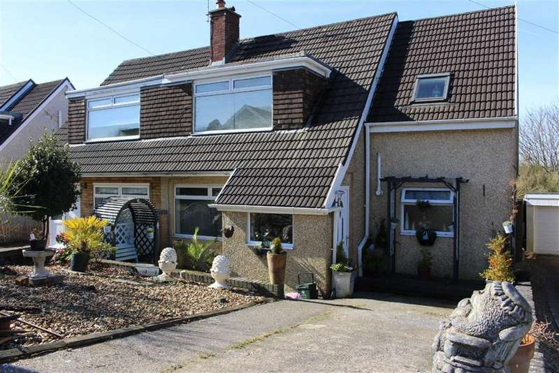 4 Bedrooms Semi Detached House for sale in Y Gorlan, Dunvant