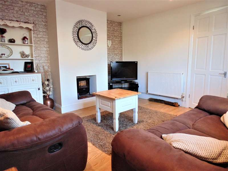 4 Bedrooms Semi Detached House for sale in Clarke Close , Irthlingborough