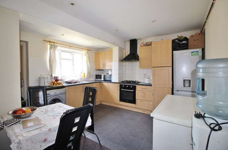 3 Bedrooms End Of Terrace House for sale in Westport Road, London, London, E13