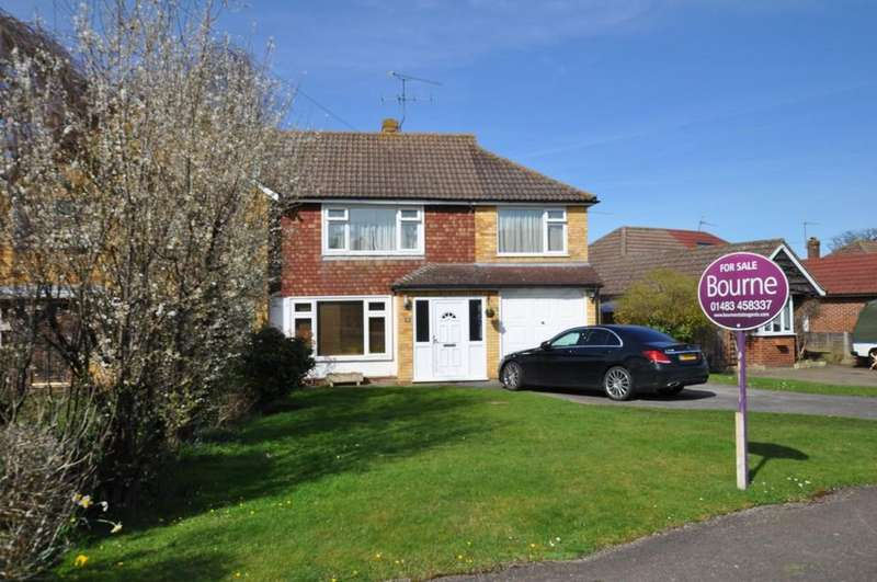 3 Bedrooms Semi Detached House for sale in Gumbrells Close, Fairlands