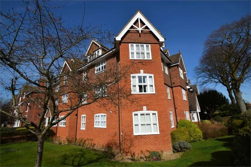 2 Bedrooms Flat for sale in Silverdale Road, Lower Meads, East Sussex