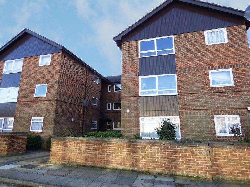 1 Bedroom Apartment Flat for sale in Berkley Court Nightingale Way, Swanley