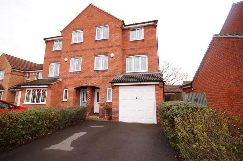 4 Bedrooms Town House for sale in Grandfield Way, North Hykeham