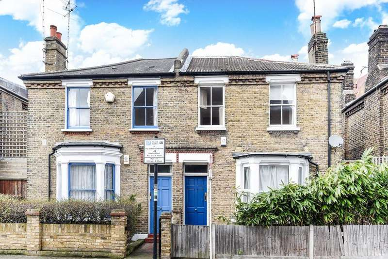 3 Bedrooms Terraced House for sale in Shuttleworth Road, Battersea